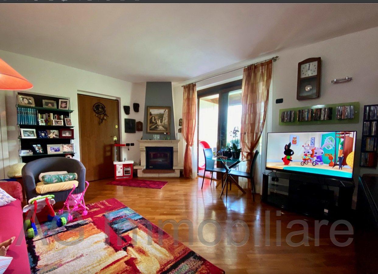 vignone-appartamento-soggiorno.jpg