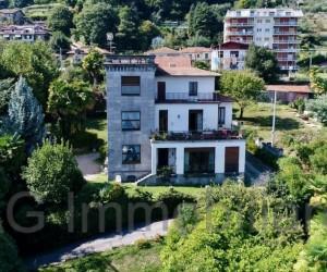 Peri villa in Meina with dependance, park,dockside and private beach  - Ref:226