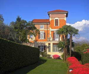 Verbania low hillside Villa with garden and lake view - Ref: 007