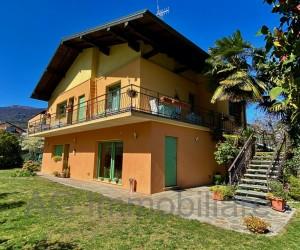 Verbania  Villa  indipendente con ampio giardino privato - Rif: 196