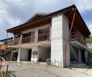 Arizzano Semi-detached villa under renovation with beautiful Lake View - Ref: 115