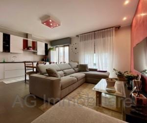Verbania Pallanza renovated four-room apartment - Ref 112