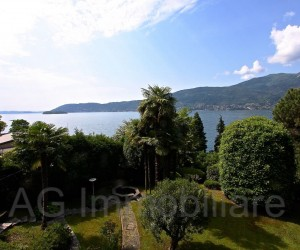Verbania directly on the lake side apartment with terrace - Ref: 043