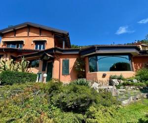 Verbania Pallanza Villa indipendente con giardino e Vista Lago - Rif: 049