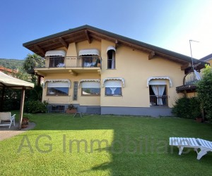 Verbania Suna Villa indipendente con giardino a pochi passi dal Lago - Rif. 016