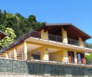 Verbania collinare villa indipendente con giardino e Vista Lago - Rif: 042