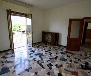 Verbania Intra three-roomapartmenp in a two-family house - Ref: 105