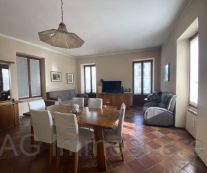 Verbania Intra four-room apartment in period building with Lake View - Ref: 037